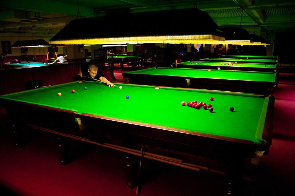 Full size snooker table full size snooker table - Billiard table vs pool table ...