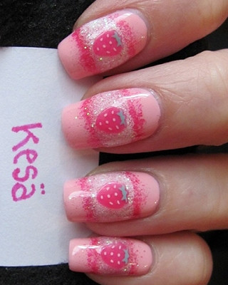 strawberry_nails-2