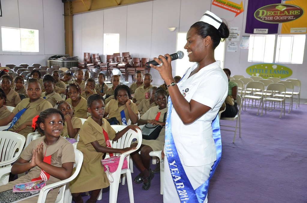 LASCO Nurse speaks at Oral Health Fair