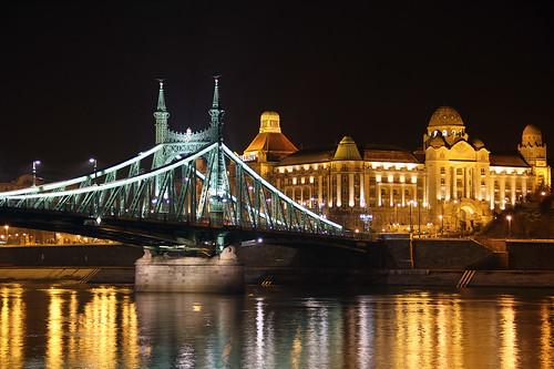 bridge water night reflections liberty hotel hungary budapest duna danube gellért szabadság gellert 550d lighths gettyhungary1
