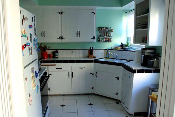 kitchenwithstuffinit