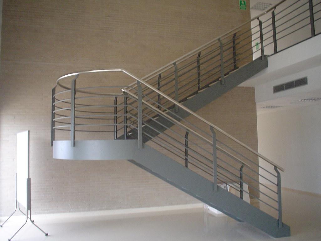 Thpcerrajeros sl escalera volada en acero inoxidable for Detalle escalera volada