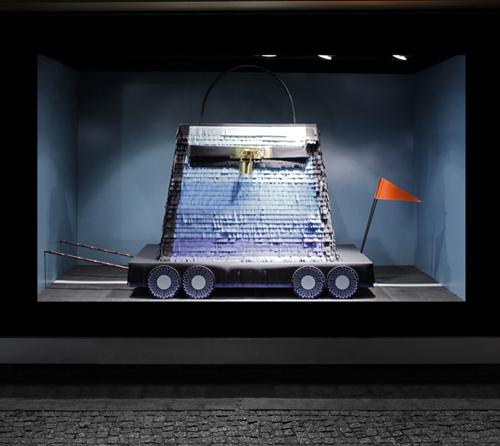 vitrines de sarah illenberger pour hermes berlin. Black Bedroom Furniture Sets. Home Design Ideas