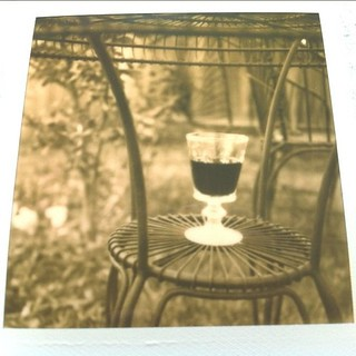 Wine in the Center. Pola SX-70 w PX600 SS 11/365