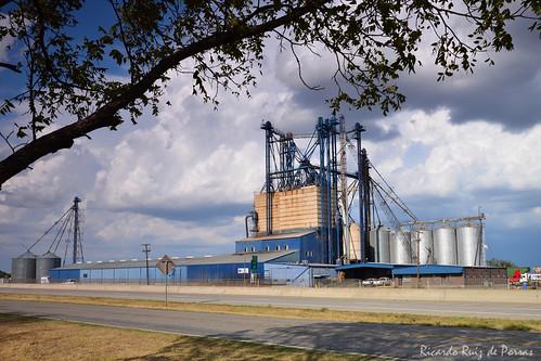 southwest texas elevator valleyview ruralamerica grainelevators metalstructures grainstorage i35w metalbuildings texassmalltowns valleyviewtx graincontainers