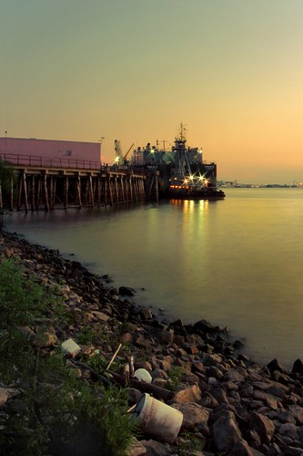 water trash river landscape pier dock louisiana rocks industrial riverside neworleans debris mississippiriver nola algiers canonefs1022mmf3545usm 22mm mrgreenjeans gaylon gaylonkeeling
