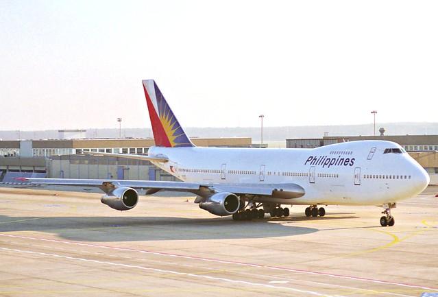 Philippine Airlines Boeing 747-200; N743PR@FRA;28.12.1995