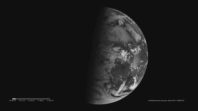 Seeing Equinoxes and Solstices from Space [hd animation]