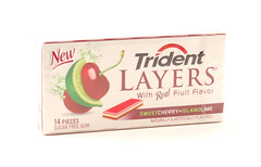 Trident Layers Sweet Cherry Island Lime