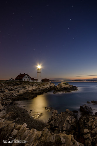 ocean light cliff moon lighthouse rock night sunrise portland stars gold dawn star nikon rocks long exposure head sigma moe moonlight headlight 1020mm chen startrails d7000