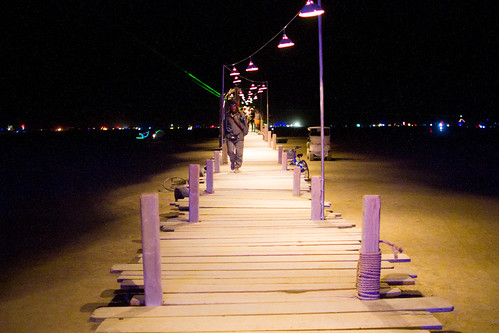 934BurningMan2011_MikeHedge_0476_7D