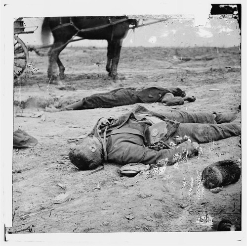 Civil_War_dead___posed_photo
