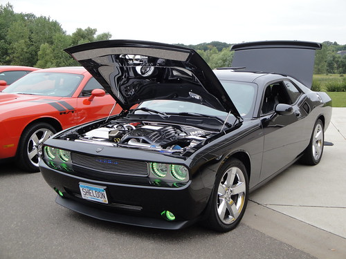 09 Dodge Challenger SRT8