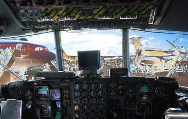 c 130 cockpit  6186106135_dc59e95488.jpg