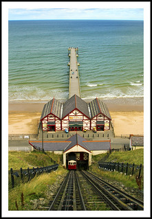 Saltburn by the Sea pier and cliff lift