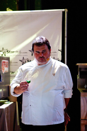 Pierre Hermé tasting the macaron given out to the audience