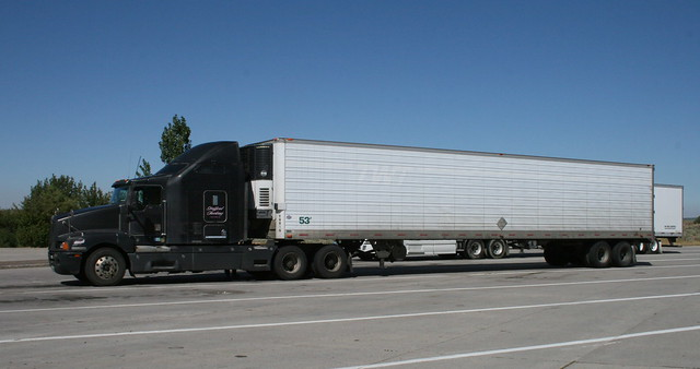 Kenworth T600 Truck and Reefer Trailer