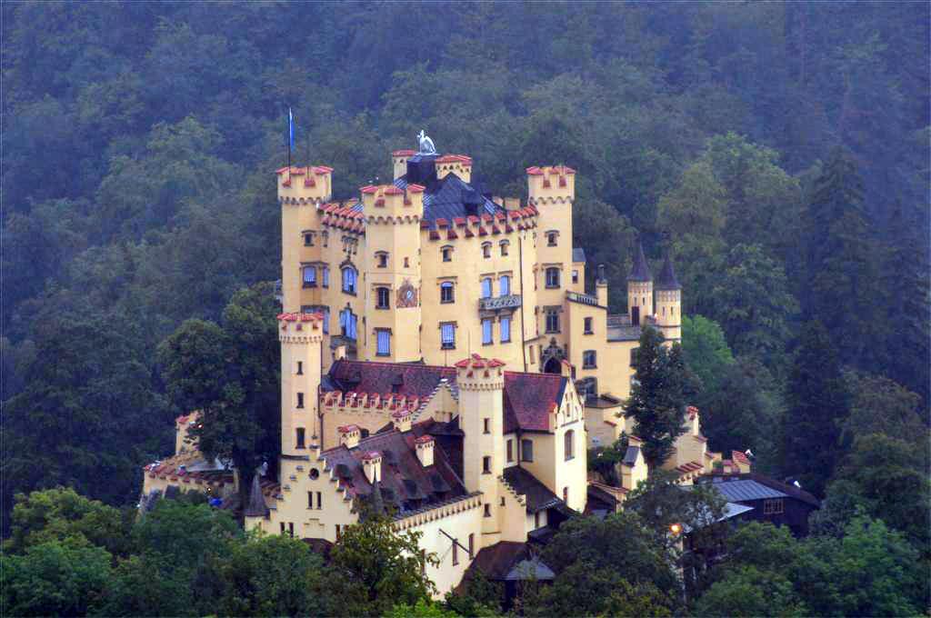 [object object] - 6177908765 953e4c59ee o - Schwangau, La villa de los Castillos Reales de ensueño