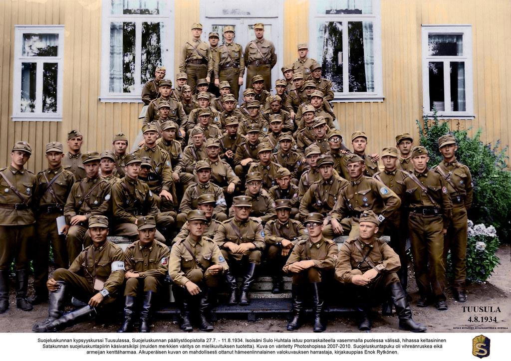 Suojeluskunnan upseerikurssi Suojeluskunnan päällystöopistolla Tuusulassa / The Finnish White Guard's officer training course in Tuusula, 1934.
