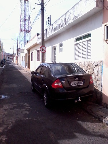 Parking in Brazil by http://www.flickr.com/photos/bkm_br/