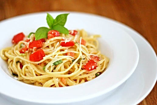 Buttered Linguine with Tomatoes and Basil
