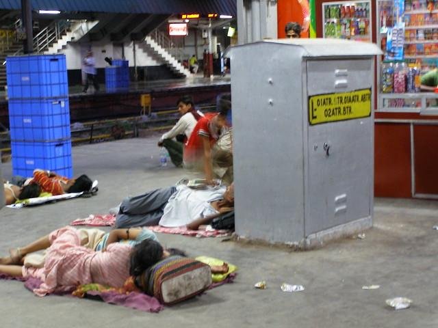 火车站过夜