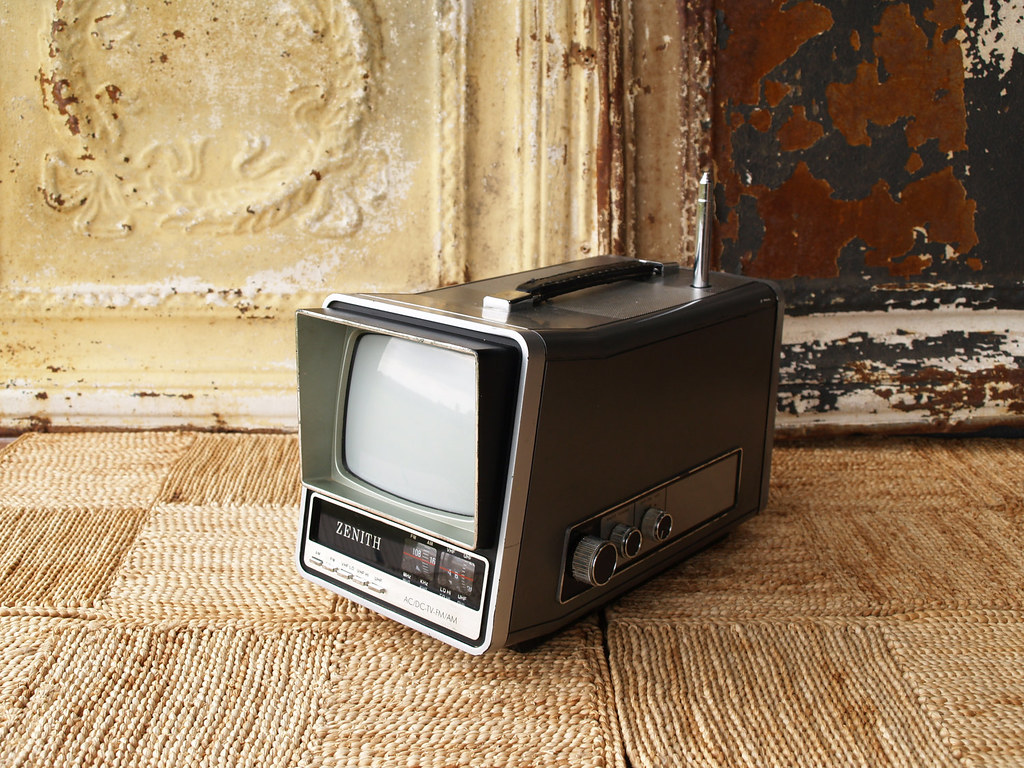 vintage boombox tv retro tv set vintage television. Black Bedroom Furniture Sets. Home Design Ideas