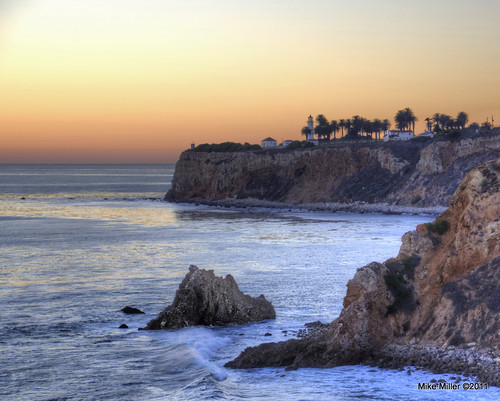 ocean ca sunset vacation lighthouse sunrise rocks surf waves pacific shoreline palmtrees coastline hdr d90 photomatix ptvicente palosverdesestates terranea tamron18x270mm