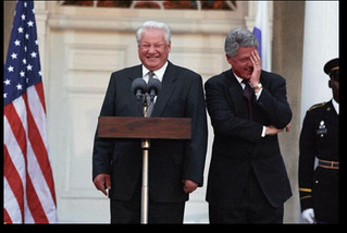 Photograph of President William Clinton and President Boris Nikolayevich Yeltsin at Springwood, the Home of Franklin Delano Roosevelt in Hyde Park, New York , 10/23/1995