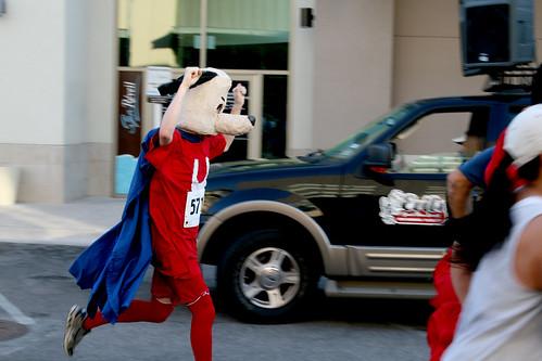 Steven Olender running in his Underdog costume for the 2011 CASA Superhero Run