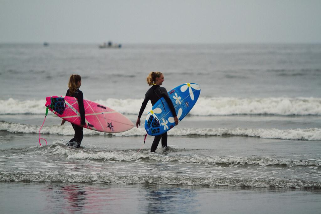 CHICK STICKS SURF SCHOOL