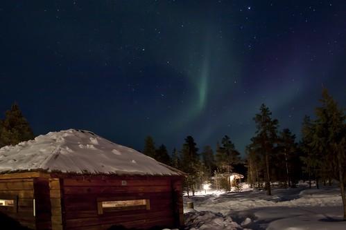 Reindeer Lodge & northern lights