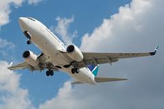 WestJet 737-700 C-FLWJ
