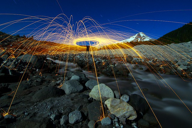 6041890979 beea1e5e16 z Awesome Long Exposures Using Steel Wool