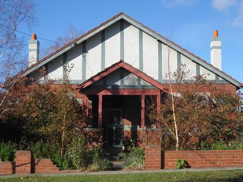 Large Arts and Crafts Villa - Essendon