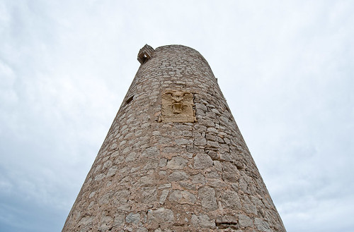 La Torre Badum en el parque natural de la Sierra de Irta