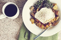 summer tempeh breakfast hash