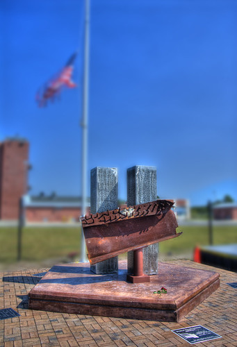 project365365nikond200vivitarseries11935mmphotomatix40hdr911september11 2001cfcccapefearcommunitycollegewilmingtonnorthcarolinancmemorial