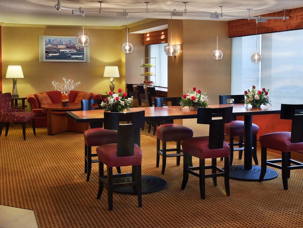 Marriott Newark Hotel Concierge Lounge