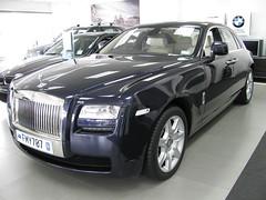 automobile(1.0), automotive exterior(1.0), rolls-royce(1.0), rolls-royce wraith(1.0), vehicle(1.0), automotive design(1.0), bumper(1.0), sedan(1.0), land vehicle(1.0), luxury vehicle(1.0),