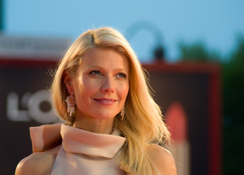 10 Top Celebrities Who Meditate Gwyneth Paltrow
