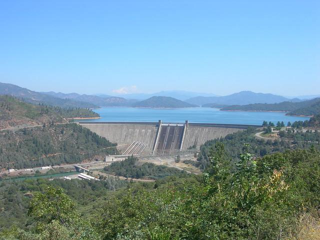 Mt shasta lake dam just north of redding california for Shasta motors redding california