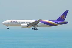 Thai Airways International Boeing 777-200; HS-TJE@HKG;31.07.2011/614lv