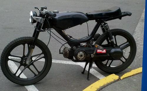 Hobbit - EBR Crossbar & top-tank recommendations : moped