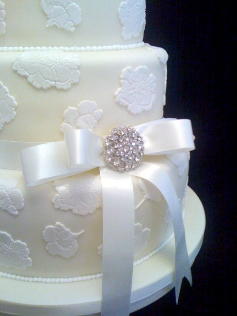 Lace effect wedding cake The Spa Hotel 19 08 2011