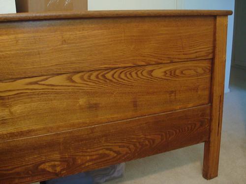 Wall Color For Antique Golden Oak Bedroom Furniture