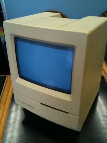「Macintosh Classic」を引っ張り出してきた
