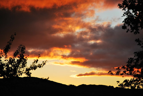 sunset shadow summer sky cloud holiday france dusk burgundy beaujolais bourgogne 2012 summerholiday gite laplace mâcon saôneetloire tramayes clermain neilmp