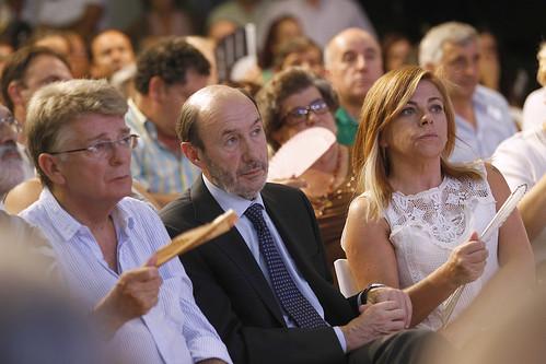 Rubalcaba  en Sanlucar, Cádiz, acto con militantes