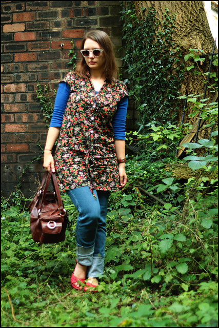 flowery tunic and jeans